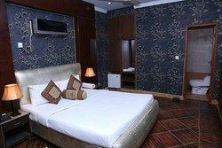 Safari Hotel - Upper Mall