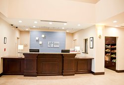 Holiday Inn Express Clovis Fresno Area