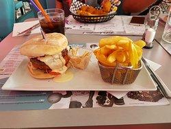 Twist Diner Cafe