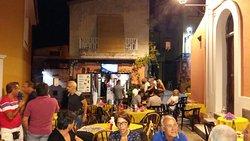 Tetella Pub