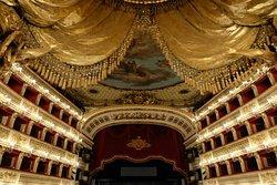 聖卡羅大劇院