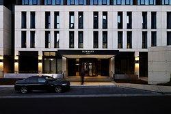 โรงแรมเบอบิวรี่