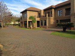Centurion Golf Suites Guest Lodge