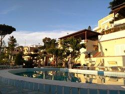 HOTEL TERME LA PERGOLA + VILLA FLAVIO = PARADISO ISCHITANO