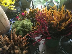 Getting ready for Fall at Hearts and Flowers Primitives