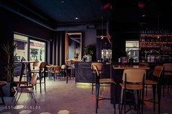 TriBeCa Bar&Lunch