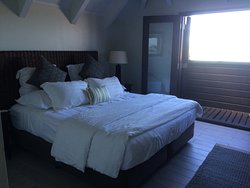 King bedroom in villa 5.