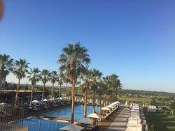 Luxury Hotel - Beautiful Surroundings