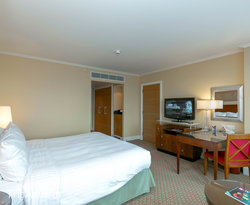 The Deluxe Room at the London Marriott Hotel West India Quay