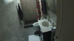 bathroom room 2c
