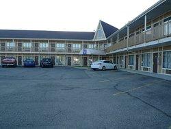 Burton Inn & Suites