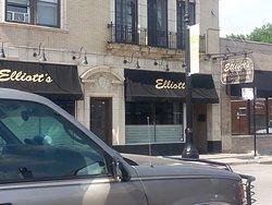 Elliott's Seafood Grille & Chop House