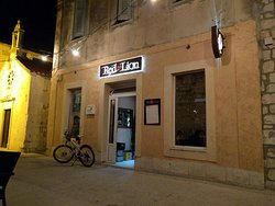 Red Lion Pub/Kastela