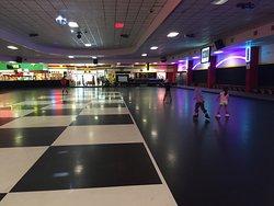 Fun Zone Skate Center
