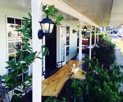 Canungra Hub Cafe & Deli