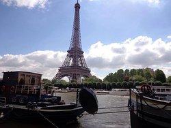 es muy muy hermosa y bella Paris!