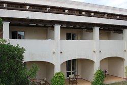 Vue sur les chambres avec terrasse