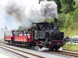 Le petit train à vapeur à proximité