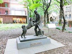 Statue of Hachiko & Hidesaburo Ueno