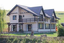5-star rooms with beautiful nature and warm romanian welcome
