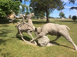 Laithwaite Apple Park Statues