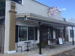 Frenchie's Cajun Cafe