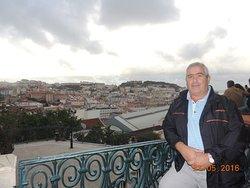 posando en Lisboa
