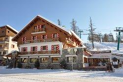 Le Chalet Suisse