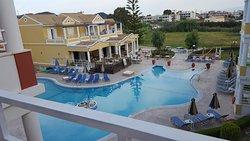 Garnavos/Paradise Apartments