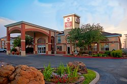 BEST WESTERN PLUS Lubbock Windsor Inn & Suites