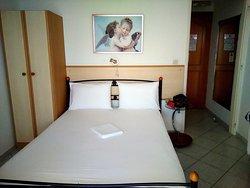 Neapoli Rooms