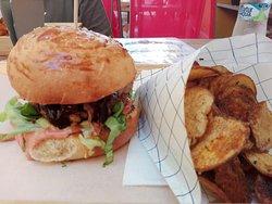 Loft Burger Bár