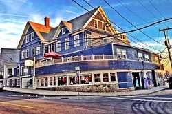 Exterior of the Woods Hole Inn in Woods Hole MA