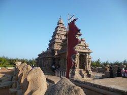"""Arriving at the """"Sea Shore Temple"""" in Mahabalipuram"""