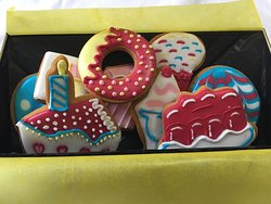 Superb vintage birthday icing biscuits course