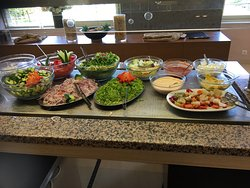 Buffet at lunch plenty of choice including veggie food   Always fresh and help yourself drinks i