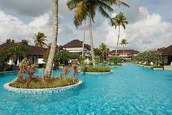 Pool view of the resort from the side of the backwaters.