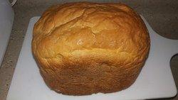 Pão caseiro colonial feito pelo proprietário.