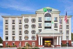 Holiday Inn Express Wilson Downtown