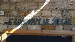 Bar à vin sympathique belle terrasse