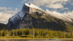 Canoeing on Vermilion Lakes (214937724)