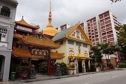 Klenteng Buddha Sakya Muni Gaya