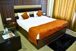 OYO Rooms Above Pizza Hut Zirakpur