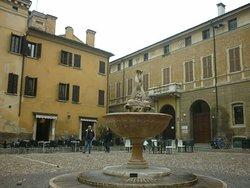 Piazza Broletto