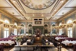Razzia Restaurant & Bar