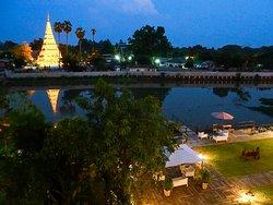 Wat Kuu Kham (Wat Chedi Liam) Temple