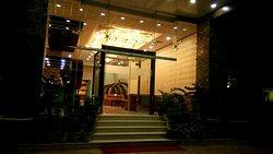 OYO 3760 Hotel Elysee