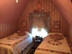 Homespun Country Inn