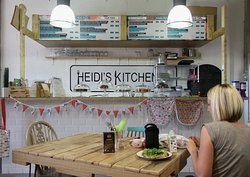 ‪Heidi's Kitchen‬