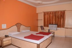 Hotel Aaditya Palace